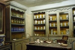 Pharmacie 18ème siècle